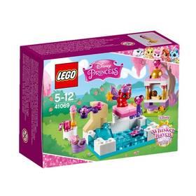 Fotografie LEGO Disney Princess 41069 Zlatíčko a jeho den u bazénu