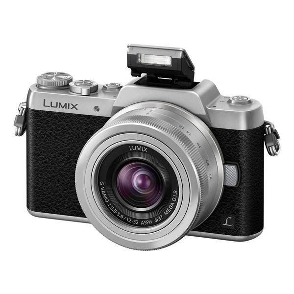 Digitální fotoaparát Panasonic Lumix DMC-GF7 + 12-32 černý/stříbrný (poškozený obal 8800287589)