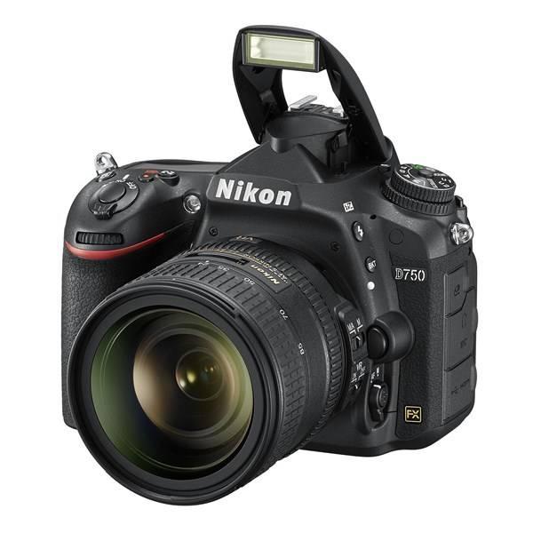 Digitální fotoaparát Nikon D750 + 24-85 AF-S ED VR černý (vrácené zboží 8800226245)