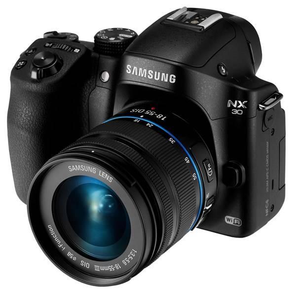 Digitální fotoaparát Samsung NX30 + 18-55mm černý