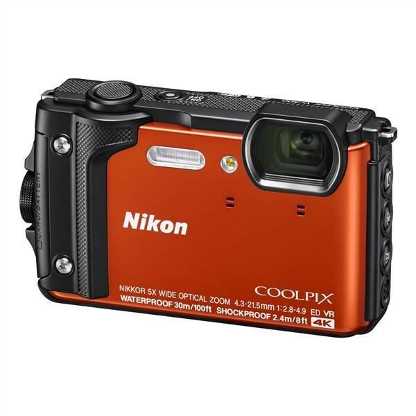 Digitální fotoaparát Nikon Coolpix W300, Holiday Kit (VQA071K001) oranžový (vrácené zboží 8800110025)