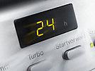 Spuštění mycího programu lze odložit až o 24 hodin