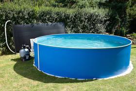 Ilustrativní foto -  u bazénu