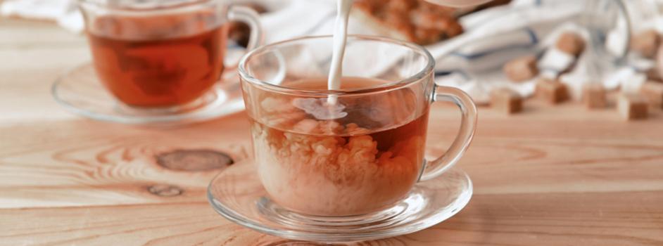 Tradičný anglický čaj s mliekom
