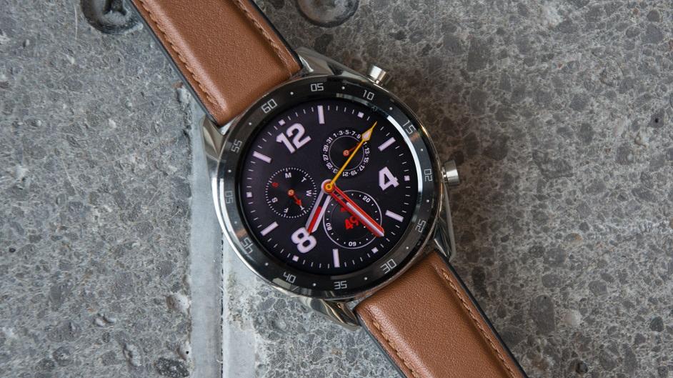 Recenze Huawei Watch GT  dlouhá výdrž v elegantním kabátku  4a50439ddc