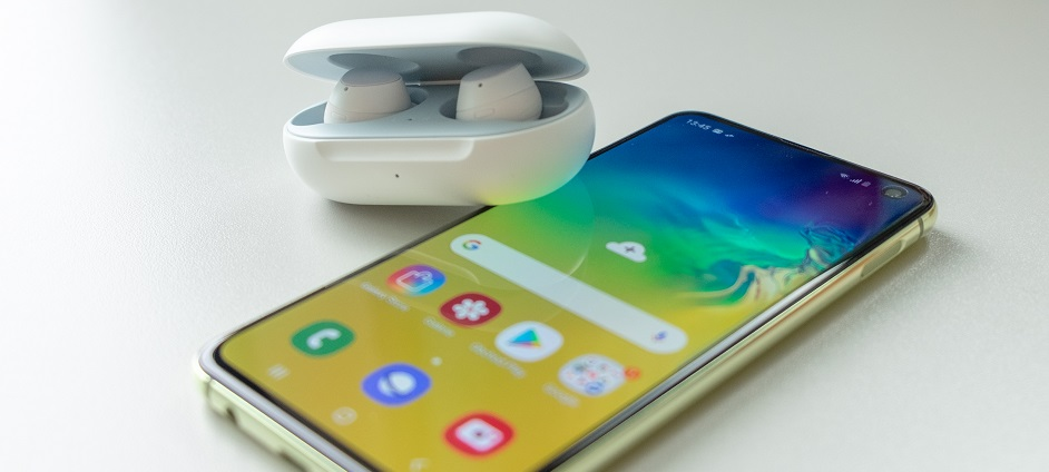 bezdrátová sluchátka Samsung Galaxy Buds