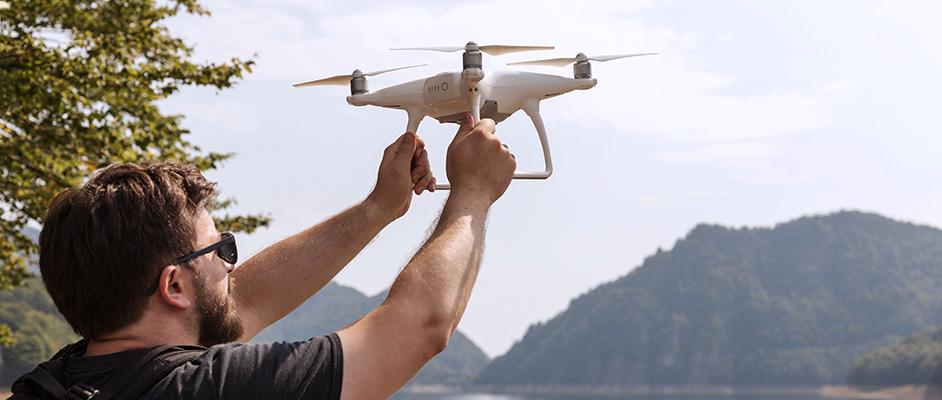0396878ec18 Ostatně mnohé z dronů pořídíte jako základ