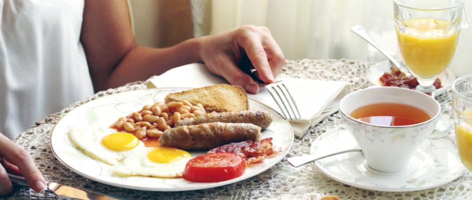 Jak vypadá pravá anglická snídaně